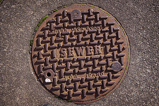 320px-sewer_manhole_cover
